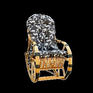 Solidny fotel bujany z wikliny z poduszką