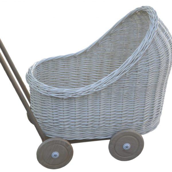 biały wózek dla laleczek z wikliny